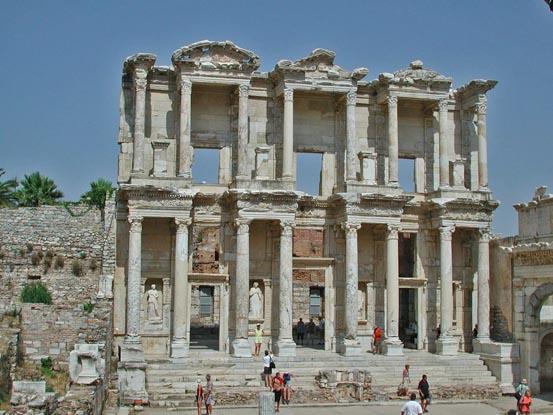 Декор греческого храма в Эфесе