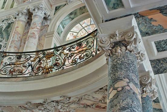 Лепнина в стиле рококо во Дворец Аугустусбург