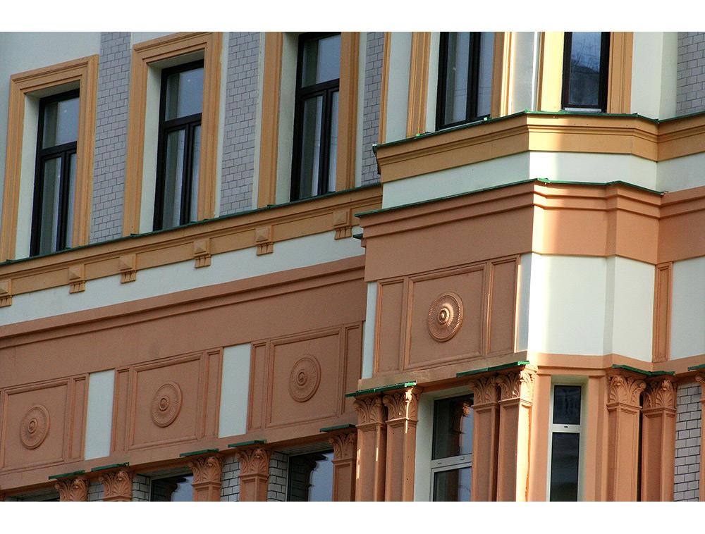 Розетки для фасада дома