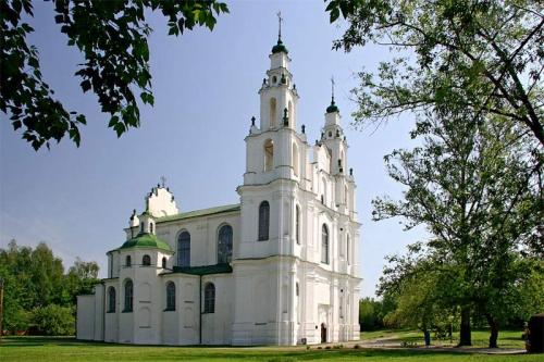 Софийский собор в Полоцке. Восстановил собор 1738-1750 гг. виленский архитектор Ян Криштоф Глаубиц. Вид архитектурного стиля - барокко.