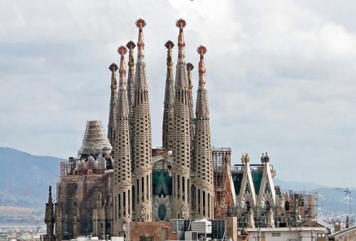 Саграда Фамилия. Архитектор А.Гауди. Барселона. Испания. Начало строительства 1882г.