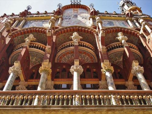 Дворец каталонской музыки в Барселоне. Архитектор Л. Доменек-и-Монтанер 1906—1908гг.